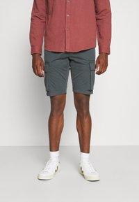 s.Oliver - CARGO - Shorts - grey - 0