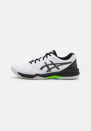 GEL-DEDICATE 7 - Buty tenisowe uniwersalne - white/gunmetal