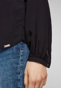Q/S designed by - MIT TUNIKA-AUSSCHNITT - Long sleeved top - black - 4