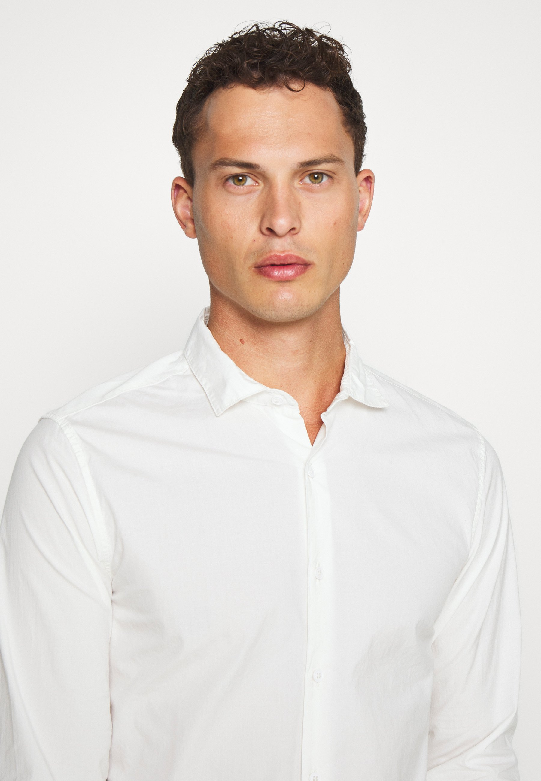 DOCKERS SUSTAINABLE ALPHA SPREAD COLLAR - Chemise - offwhite
