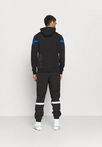 Nike Performance - INTER MAILAND HOOD - Club wear - black/blue spark/truly gold - 2