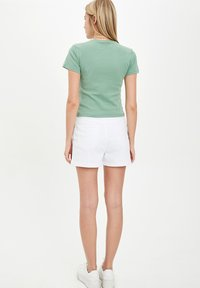 DeFacto - Denim shorts - white - 2