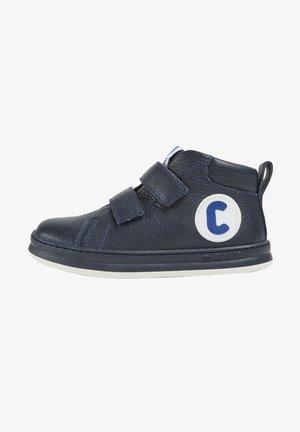 RUNNER FOUR - Sneakers - blau