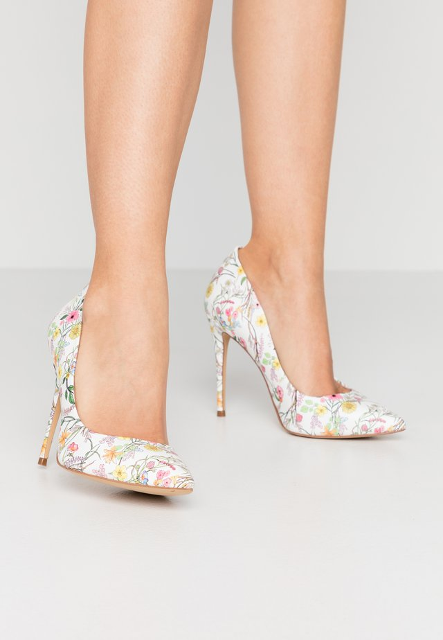 STESSY WIDE FIT - High heels - pastel multicolor