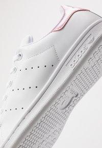 adidas Originals - STAN SMITH - Trainers - footwear white/true pink - 2