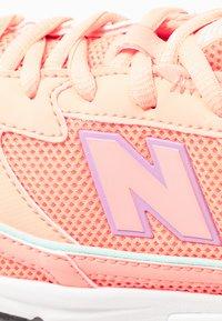 New Balance - WSXRC - Sneakersy niskie - pink - 2