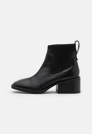 MANTH - Classic ankle boots - black