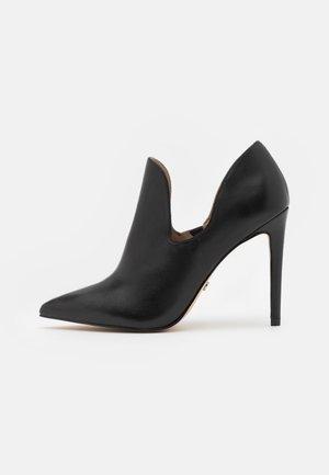 HAPPEN CUT  - Classic heels - black