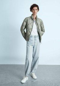 Massimo Dutti - MIT ABNEHMBARER KAPUZE  - Winter jacket - blue - 1