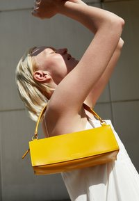 Mansur Gavriel - PENCIL BAG - Handbag - golden yellow - 2
