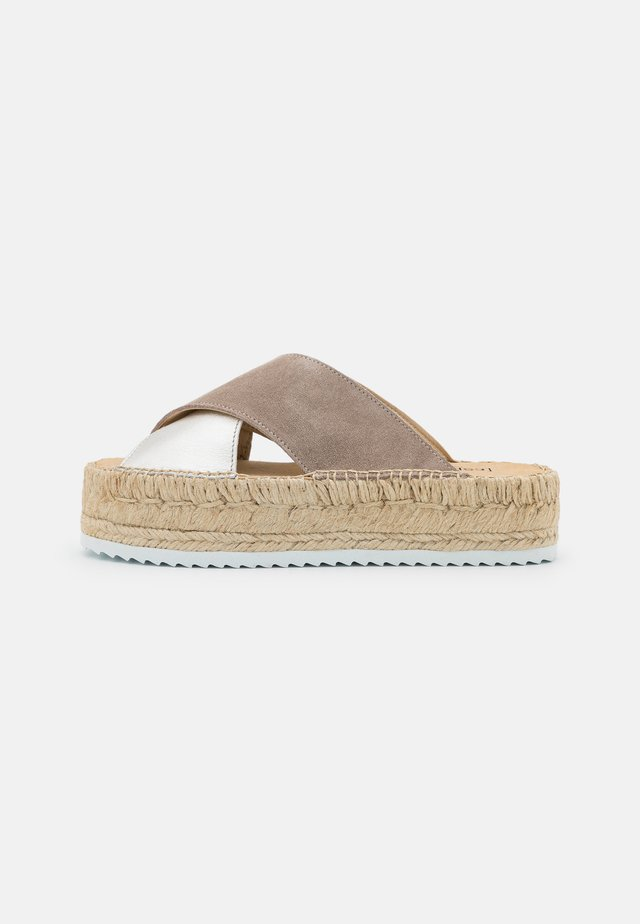 CROISETTE BI-COLOR - Sandaler - sable