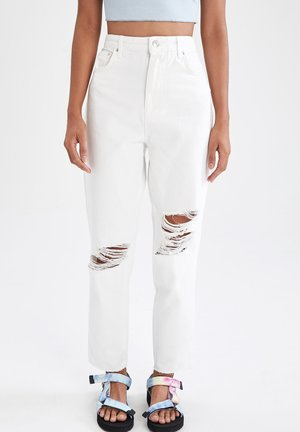 SLIM FIT - Slim fit jeans - white