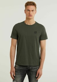 CHASIN' - BRETT - Basic T-shirt - green - 0