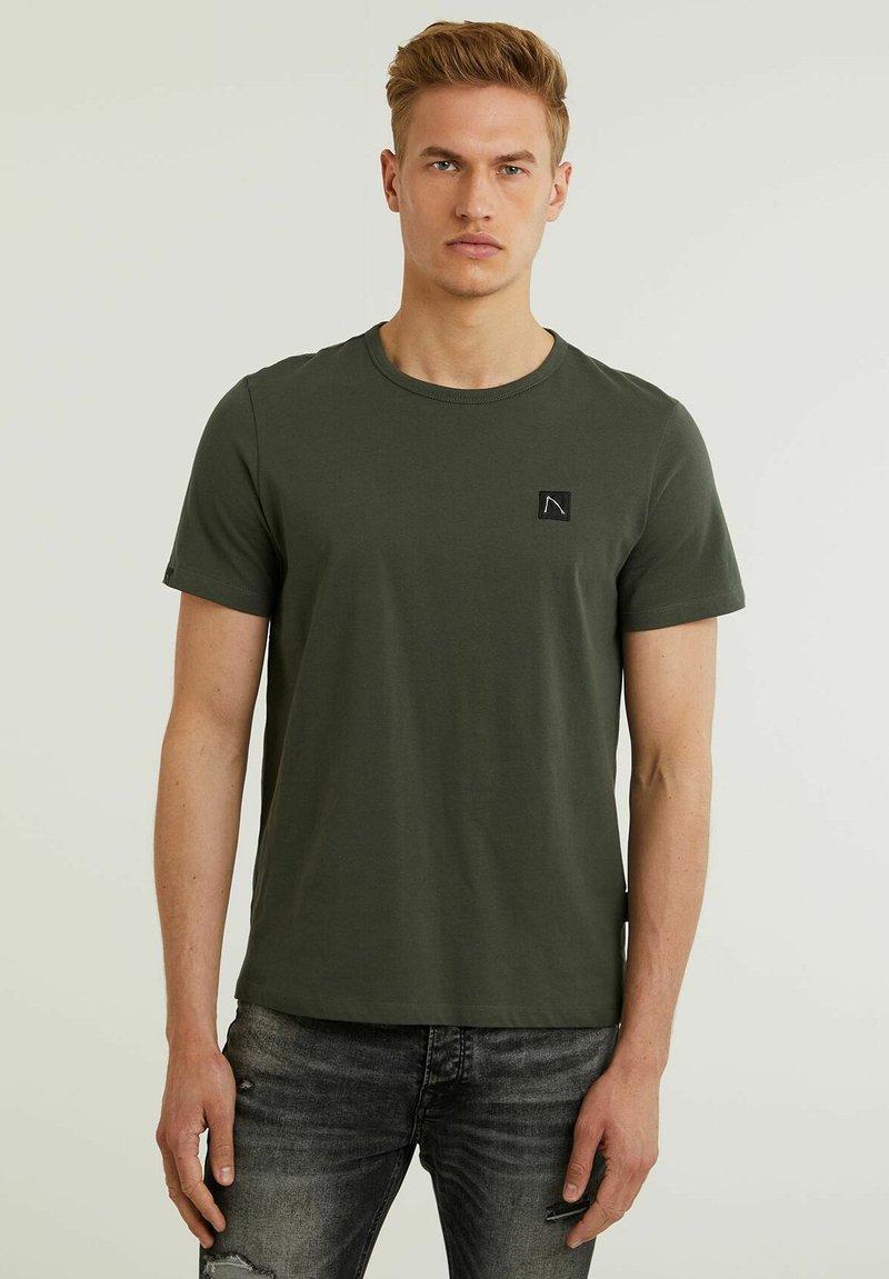 CHASIN' - BRETT - Basic T-shirt - green