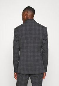 Isaac Dewhirst - BOLD CHECK 3PCS SUIT - Completo - dark blue - 3