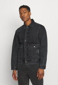 Levi's® - WORK TRUCKER - Kurtka jeansowa - blacks - 0