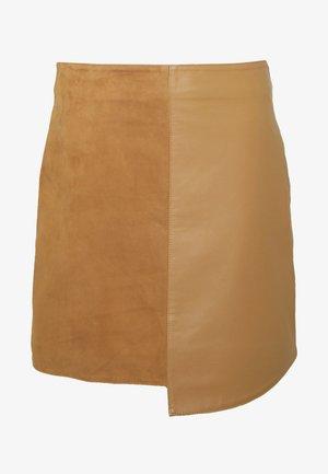 SLFAMIA SKIRT - Spódnica skórzana - tobacco brown