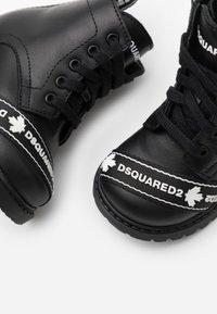 Dsquared2 - Schnürstiefelette - black - 5