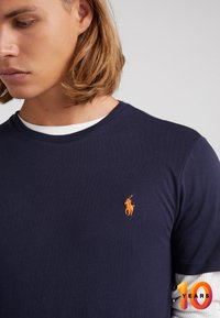 Polo Ralph Lauren - T-shirt basic - ink/orange - 4