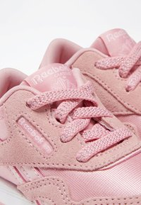 Reebok Classic - CLASSIC NYLON SHOES - Trainers - pink - 7