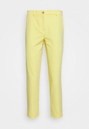 ELASTIC BACK BUTTONED ANKLE GRAZER TROUSER - Pantalon classique - lemon