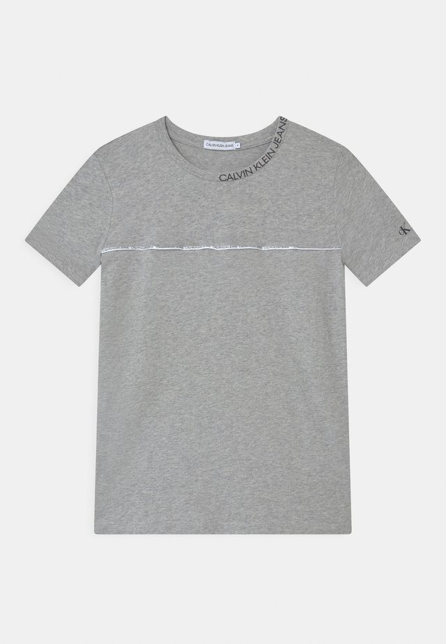 LOGO PIPING FITTED - Print T-shirt - grey