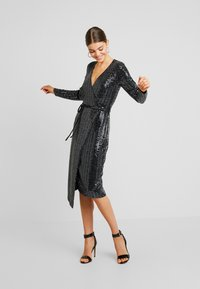 Gina Tricot - MATILDI GLITTER DRESS - Cocktailkjole - black - 2