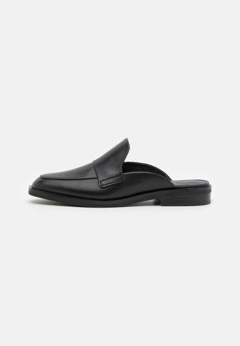 ALEXA LOAFER MULE - Pantofle - black