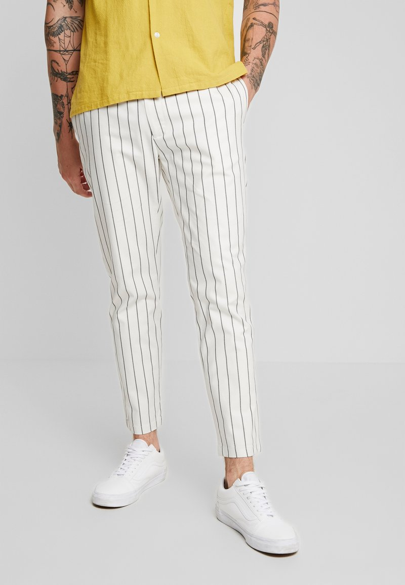 Topman - WHYATT - Trousers - cream
