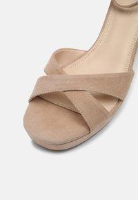 Anna Field Wide Fit - LEATHER - Korkeakorkoiset sandaalit - beige - 7