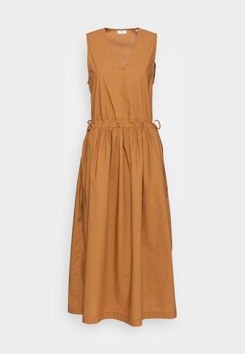 Vapaa-ajan mekko - brown ochre