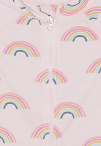 Cotton On - HARRIS ONE PIECE BABY - Plavky - barely pink rainbow dreams - 3