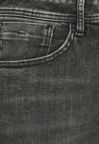 Pepe Jeans - CASH 5 PKT - Jeansy Slim Fit - grey denim - 6