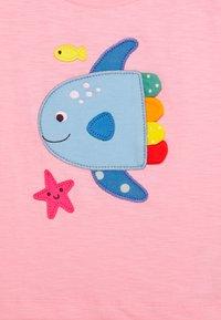 Frugi - SOPHIA SLUB FISH - Print T-shirt - soft pink - 2