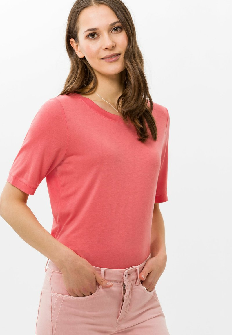 BRAX - STYLE COLETTE - Basic T-shirt - coral