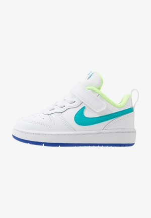 COURT BOROUGH 2 - Zapatillas - white/oracle aqua/hyper blue/ghost green