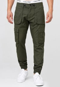 INDICODE JEANS - Cargo trousers - army - 0