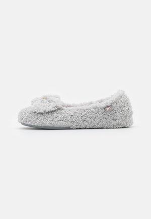 Pantoffels - burma hielo