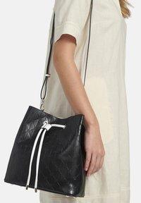 Basler - Across body bag - schwarz - 1