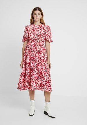 BLAZE FLARE SLEEVE DRESS - Maxi šaty - red