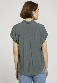 TOM TAILOR DENIM - Button-down blouse - dusty pine green - 2