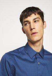 Tiger of Sweden - FILBRODIE - Formal shirt - garage blue - 3