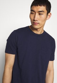 YMC You Must Create - WILD ONES POCKET TEE - Basic T-shirt - navy - 2