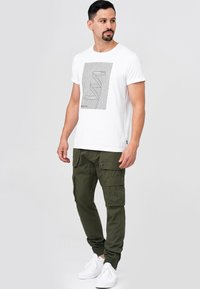 INDICODE JEANS - Cargo trousers - army - 1