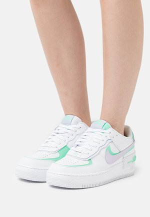 AIR FORCE 1 SHADOW - Sneaker low - white/infinite lilac/football grey/green glow/violet shock