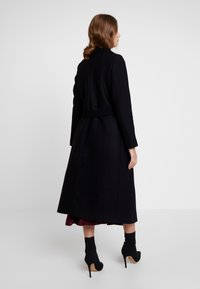IVY & OAK - BATHROBE  - Classic coat - black - 2