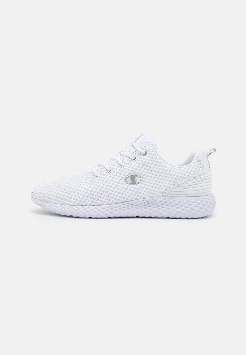 Champion - LOW CUT SHOE SPRINT - Chaussures de running neutres - white