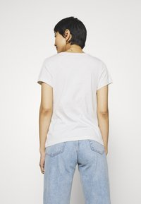 Calvin Klein Jeans - EMBROIDERY SLIM TEE - Basic T-shirt - white/grey heather - 2