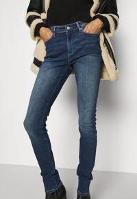 s.Oliver - LANG - Jeans Skinny Fit - blue - 3