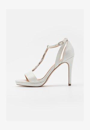 SNOWDROP - Sandalen met hoge hak - white